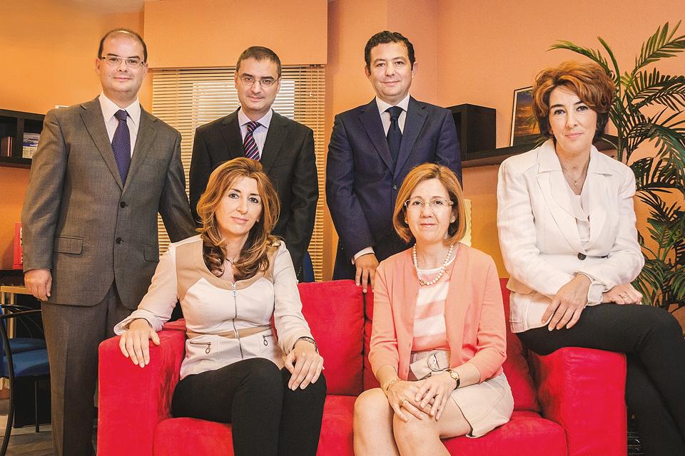 Equipo Alben Asesores y Chamorro Ruiz