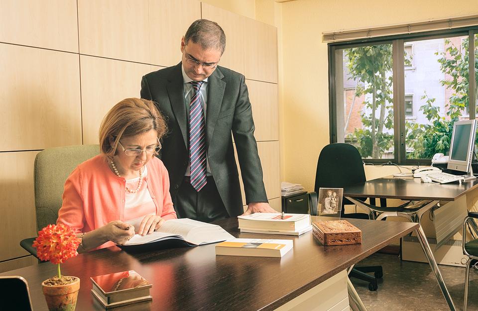 Alben Asesores y Chamorro Ruiz